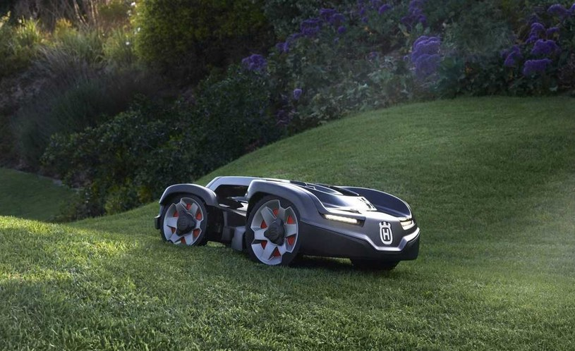 Husqvarna Automower - ten model kosiarki trudno odróżnić od samochodu /materiały prasowe