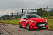 Hybrydowa Toyota Yaris nawet 77% czasu może jeździć na elektryku