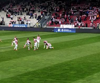Hymn Cracovii przed meczem z Rakowem Częstochowa. Wideo