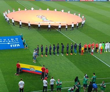 Hymny przed półfinałem MŚ U-20 Ekwador - Korea Płd. w Lublinie. Wideo