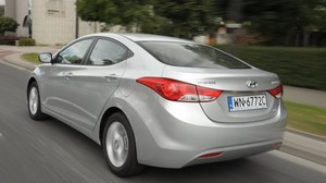 Hyundai Elantra 1.6 Comfort - test