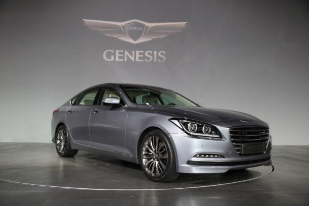 Hyundai Genesis /