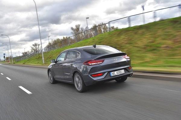 Hyundai i30 Fastback 1.6 CRDi 7DCT Premium
