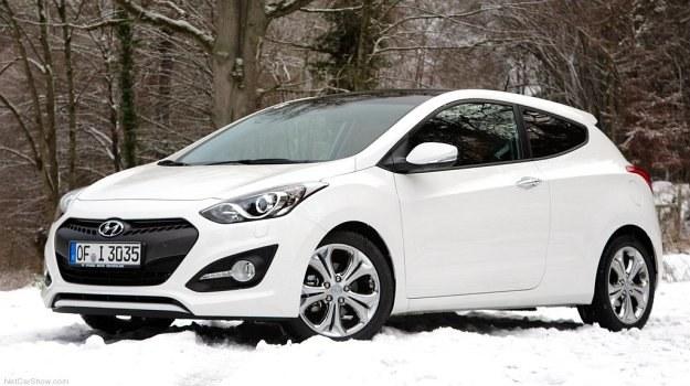 Hyundai i30 produkowany jest w Czechach. Przednie drzwi wersji 3-drzwiowej są o 17 cm dłuższe niż w 5-drzwiowej. /Hyundai