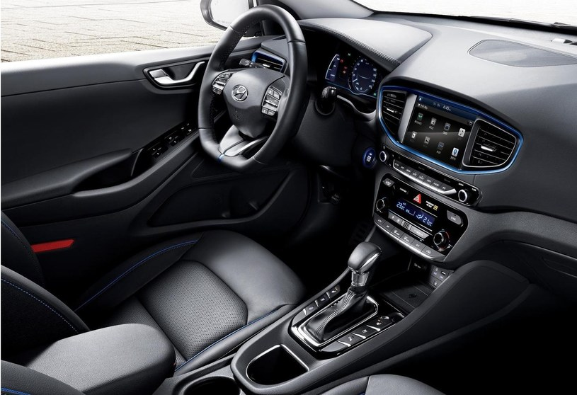 Hyundai Ioniq /