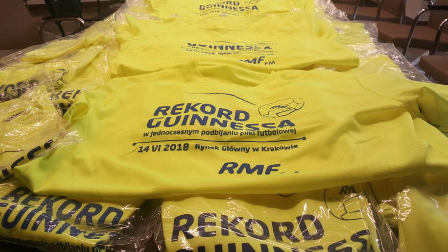 ... i 1700 koszulek /RMF FM