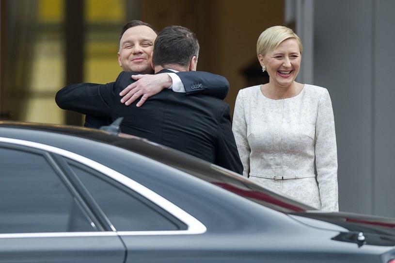 ...i w kremowej sukience podczas wizyty prezydenta Łotwy /Stanisław Kowalczuk /East News