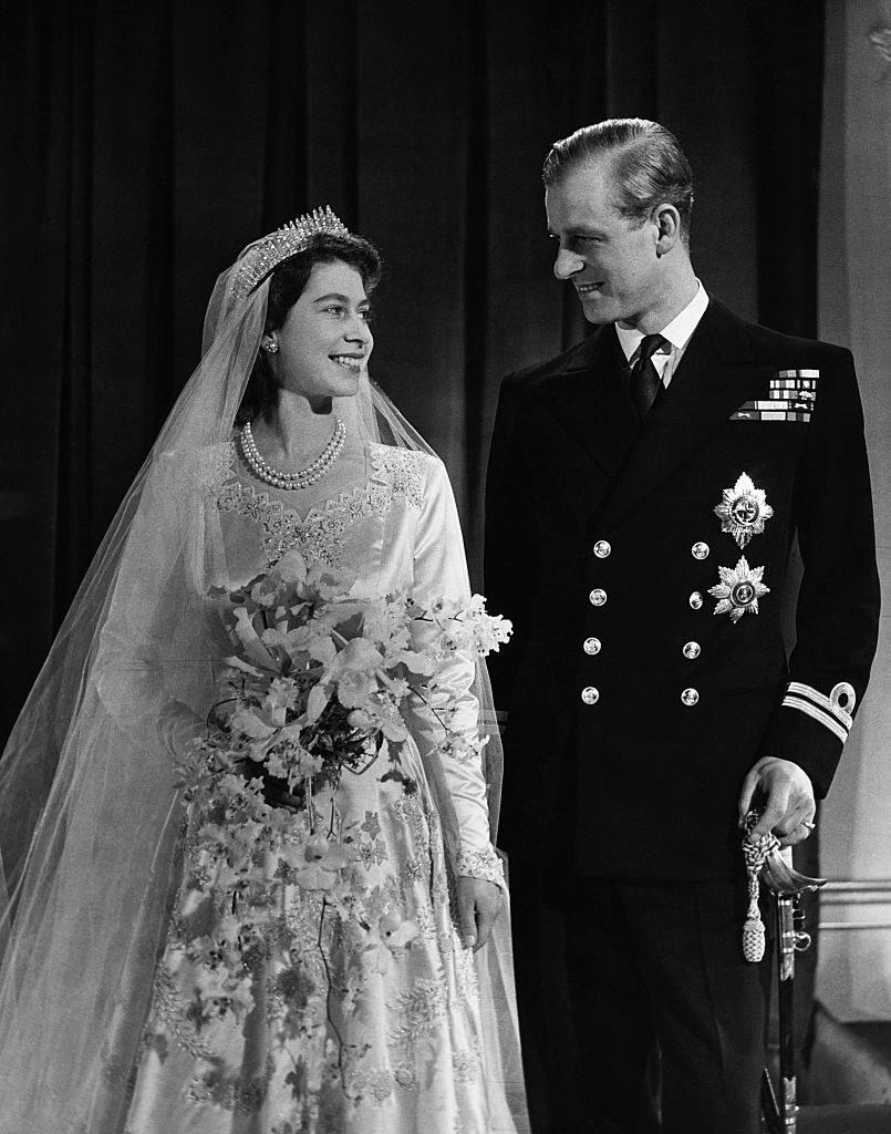 Ich związek nie spotkał się z aprobatą. Rodzice królowej Elżbiety początkowo nie akceptowali księcia Filipa /Getty Images