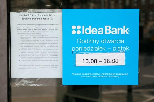 Idea Bank na ulicy Targowej w Warszawie / Albert Zawada /PAP