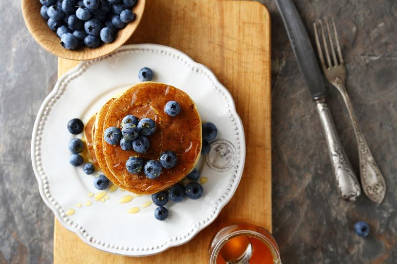 Idealny pomysł na smakowite śniadanie w słodkiej wersji /123RF/PICSEL