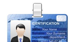 Identyfikatory pracowników łamią prawo?