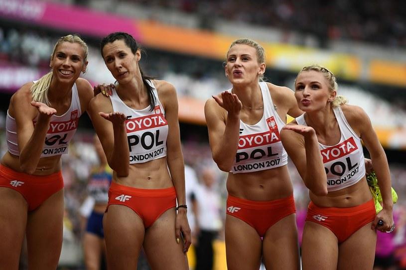 Iga Baumgart (pierwsza z lewej) /AFP