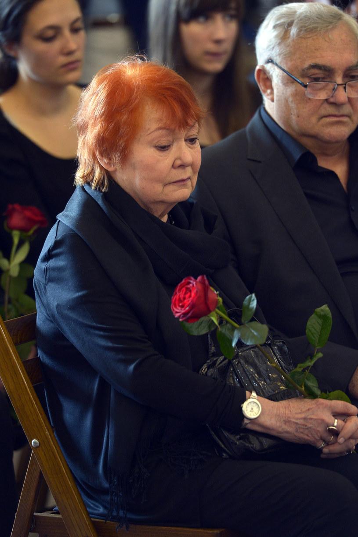 Iga Cembrzyńska i Janusz Kondratiuk na pogrzebie Andrzeja /Mieszko Pietka /AKPA