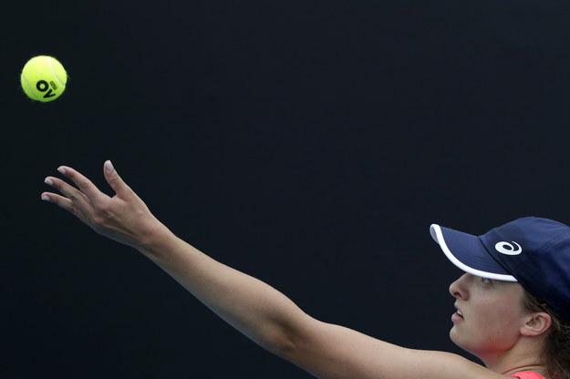 Iga Świątek podczas meczu Australian Open /LYNN BO BO /PAP/EPA