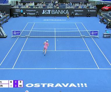 Iga Świątek pokonała Julię Putincewą w 1/8 finału turnieju WTA w Ostrawie. WIDEO