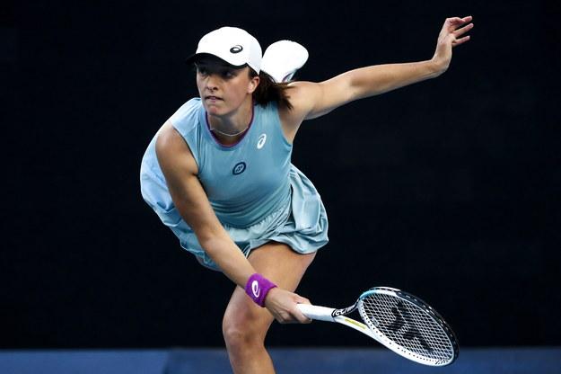 Iga Świątek w meczu drugiej rundy Australian Open z Włoszką Camilą Giorgi /Jason O'Brien /PAP/EPA