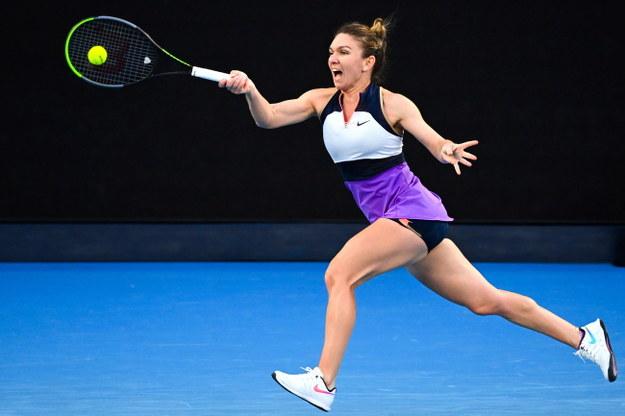 Iga Świątek wyeliminowana przez Simonę Halep. Nie zagra w ćwierćfinale Australian Open