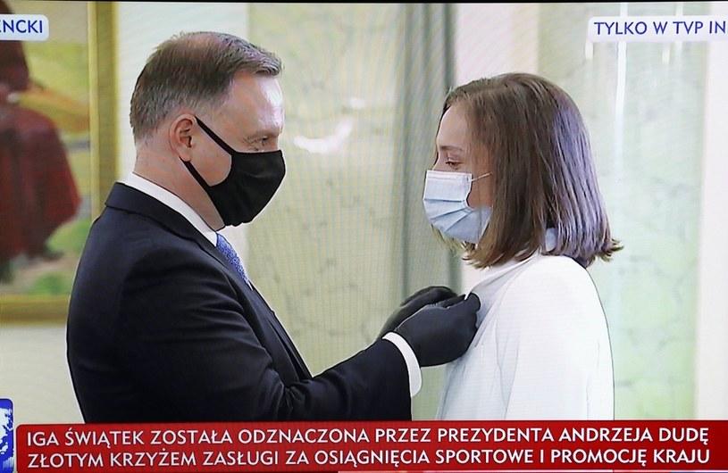 Iga Świątek została uhonorowana Złotym Krzyżem Zasługi za osiągnięcia sportowe /Rafał Guz /PAP