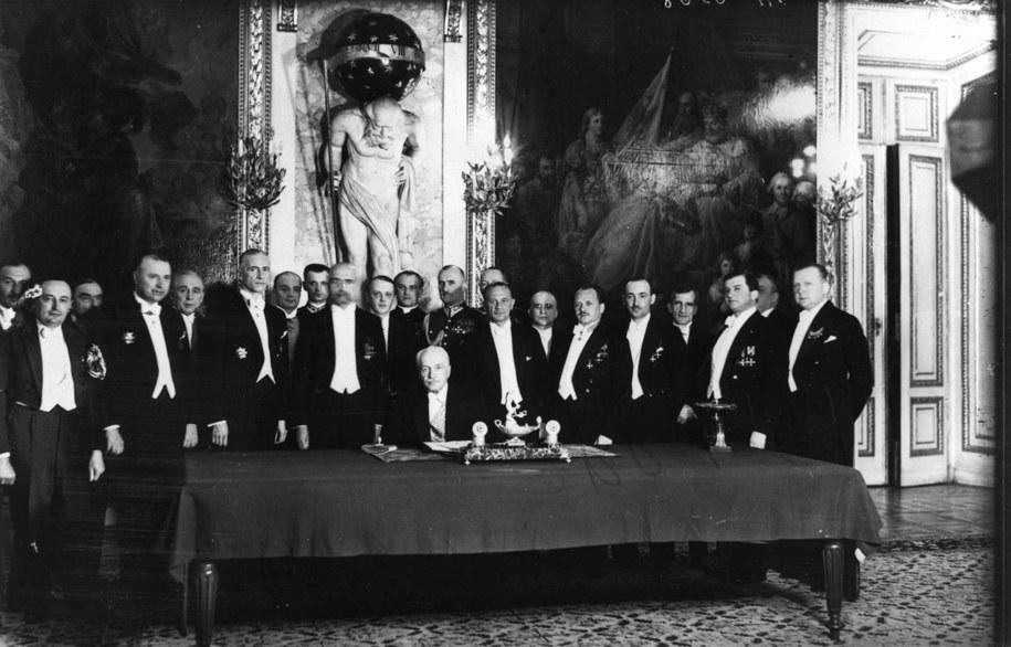Ignacy Mościcki , polski polityk i chemik. Prezydent Rzeczypospolitej Polskiej w latach 1926–1939 w otoczeniu swoich ministrów /CAF-reprodukcja /PAP