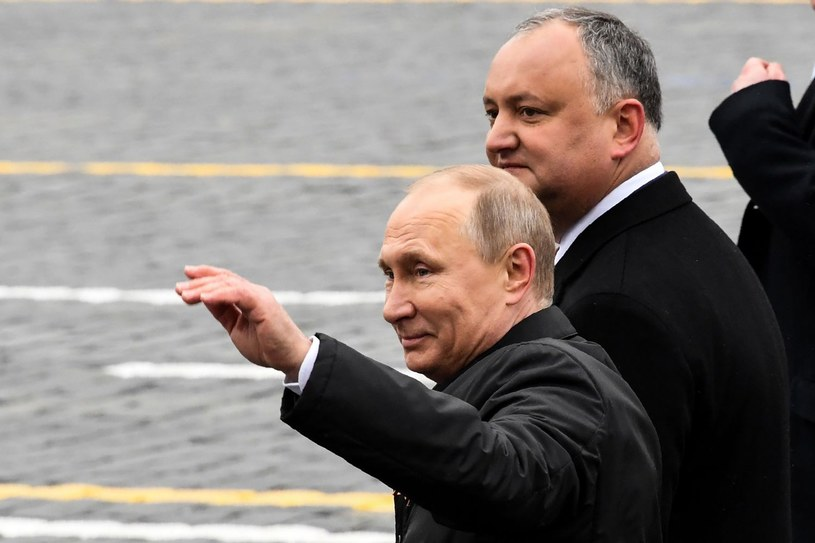 Igor Dodon i Władimir Putin /AFP