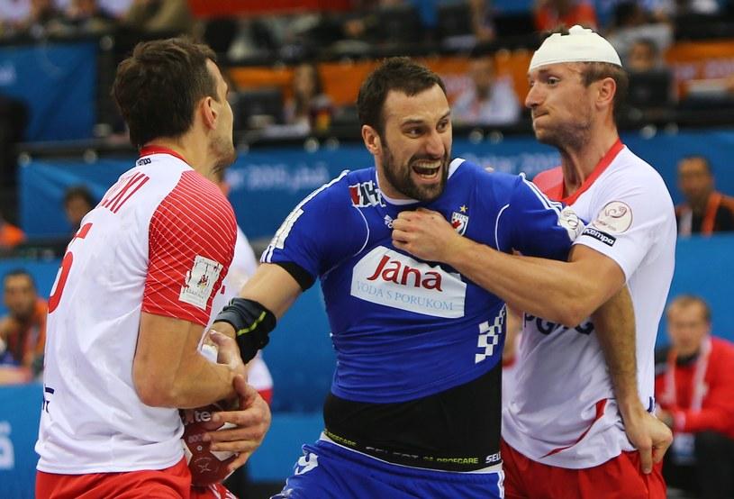 Igor Vori (w środku) w meczu z Polską w ćwierćfinale MŚ /AFP