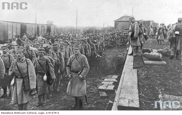 Odjazd z Krakowa 2 i 3 pułku II Brygady Legionów Polskich na front, 01.10.1914