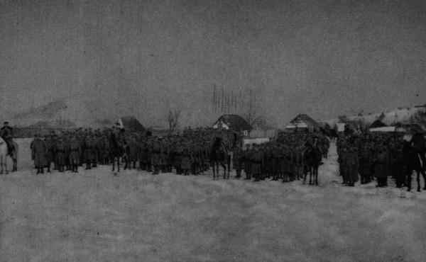 Kampania Karpacka II Brygady Legionów, 1915 rok; n/z Batalion Fabrycego w kolumnach kompanijnych