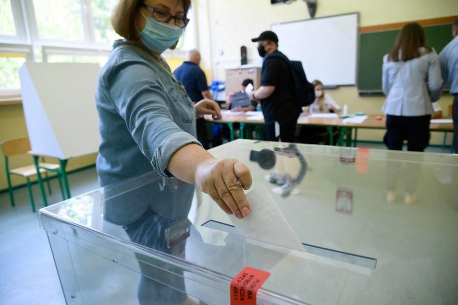II tura tegorocznych wyborów prezydenckich /Jakub Kaczmarczyk /PAP