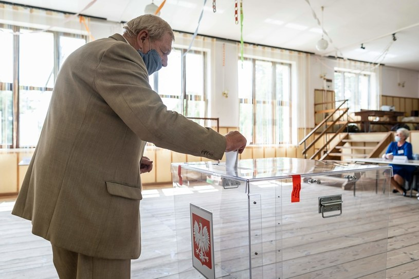 II tura wyborów prezydenckich /AFP