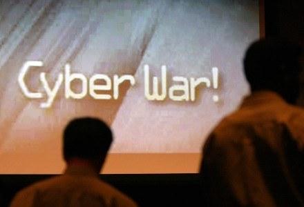 III wojna światowa może być rozgrywana w cyberprzestrzeni, bez udziału milionów żołnierzy /AFP