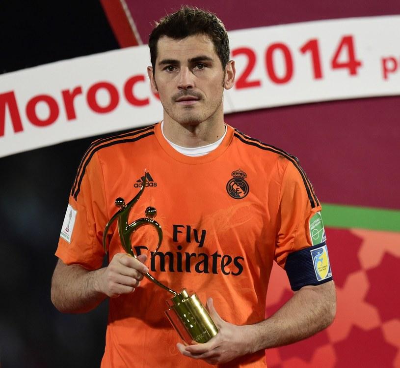 Iker Casillas z trofeum dla najlepszego bramkarza klubowych mistrzostw świata /AFP