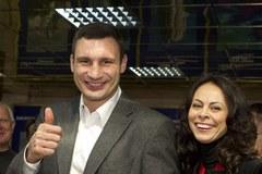 Ikona boksu głosuje w wyborach parlamentarnych na Ukrainie