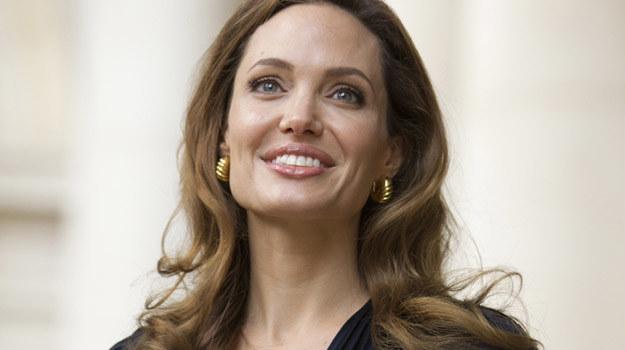 Ile Angelina Jolie zażyczy sobie za ślubne zdjęcia i jak wykorzysta te pieniądze? / fot. Dan Kitwood /Getty Images/Flash Press Media