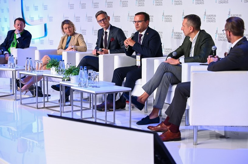 Ile banku powinno być w banku? Nad tym zastanawiali się uczestnicy Europejskiego Kongresu Finansowego /Źródło: EKF /