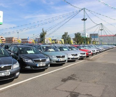 Ile kosztuje pięcioletnie auto? Używane samochody rekordowo drogie!