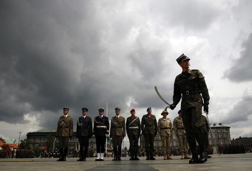 Ile można zarobić w polskiej armii? /Adam Guz /Reporter