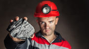 Ile naprawdę zarabiają górnicy?