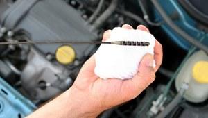 Ile oleju może spalać silnik?