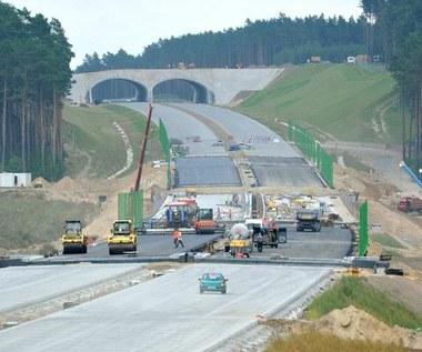 Ile pieniędzy daje Unia na polskie drogi?