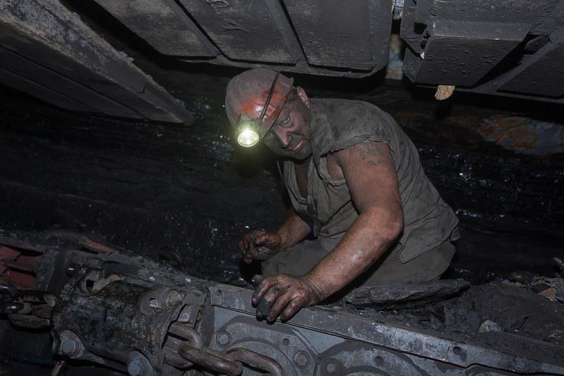 Ile powinni zarabiać górnicy? /123RF/PICSEL