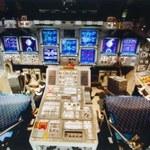 Ile przycisków znajduje się w kabinie promu kosmicznego?