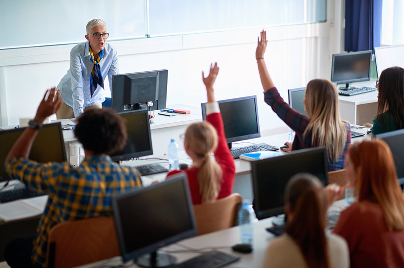 Ile realnie pracuje polski nauczyciel? Wyjaśniamy /123RF/PICSEL