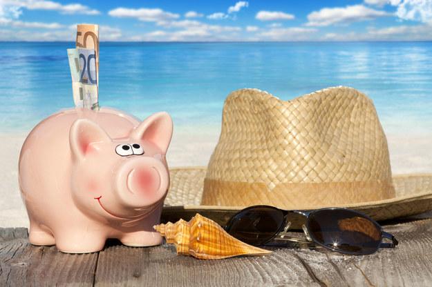 Ile trzeba pracować na wymarzone wakacje? /123RF/PICSEL