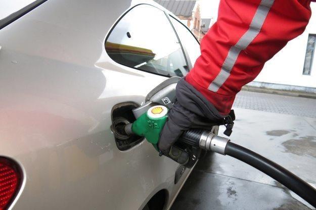 Ile w tym roku będziemy płacić za paliwo? / Fot: Adrian Slazok /Reporter