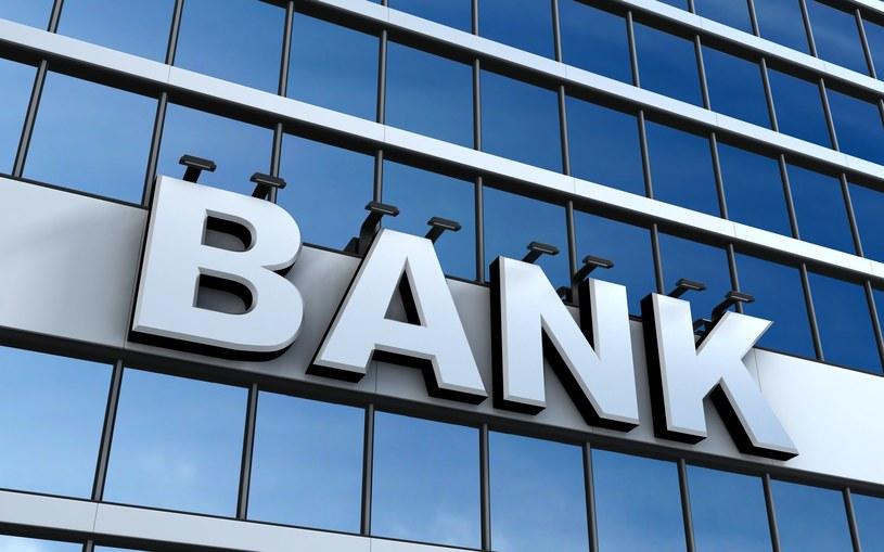Ile zarabia menedżer w banku? /123RF/PICSEL