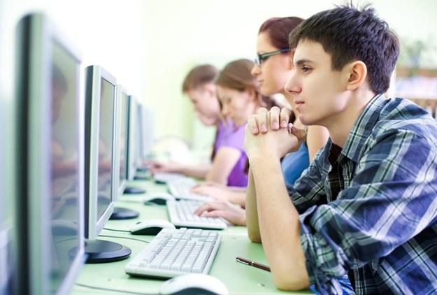 Ile zarabiają pracujący studenci? /123RF/PICSEL