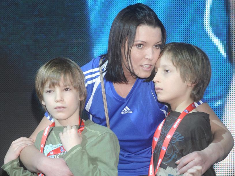 Ilona Felicjańska z synami  /Andras Szilagyi /MWMedia