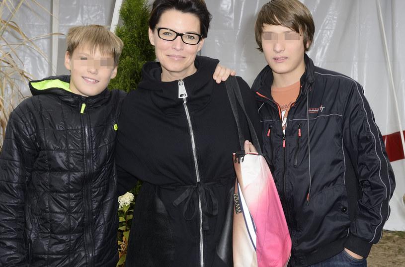 Ilona z synami /Antoniak /MWMedia