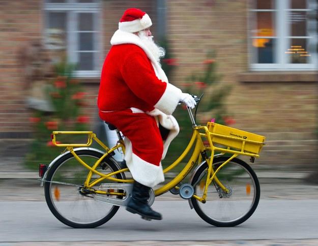 Ilu osobom Ty musisz kupić prezenty? /PATRICK PLEUL  /PAP/EPA