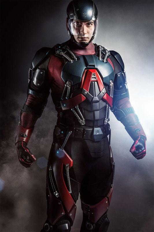 Ilu z Was chciałoby nosić lśniący kostium Atoma? Nic dziwnego, że Ray tak długo nad nim pracował /materiały prasowe